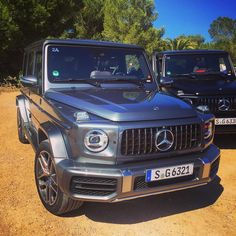 49 вподобань, 2 коментарів – MNB (@manuelbroglia) в Instagram: «#mercedes #mercedesbenz #maybach #gteibiza2018 #gclass #amg #luxury #design #details #lovemyjob…» Mercedes G Wagon, Mercedes Benz G Class, Mercedes Benz Amg, G63 Amg, Lux Cars, Car Goals, Benz Car, Luxury Suv, Maybach