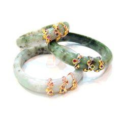 Jade Bangles (London-Blue Topazes, Amethysts) SGD 380 each Gold Bangles Design, Jewelry Design, Jewelry Accessories, Jade Jewelry, Jewellery Earrings, Gold Bangle Bracelet, Gold Necklace, Bracelets, Schmuck Design