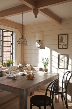 Traditional East Coast House: Charming Home Tour - Town & Country Living