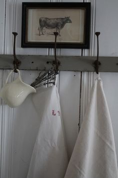 Chippy Door and French Linens @ FARMHOUSE 5540