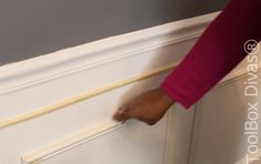 How to Install Picture Frame Moulding Wainscoting - ToolBox Divas Installing Wainscoting, Wainscoting Height, Black Wainscoting, Wainscoting Kitchen, Painted Wainscoting, Dining Room Wainscoting, Wainscoting Panels, Wainscoting Ideas, Stair Paneling