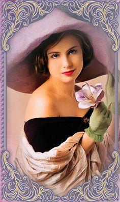 Gifs, Ziegfeld Girls, Gorgeous Women, Beautiful, Jelsa, Moving Pictures, Funny Art, Mannequin, Pretty Woman
