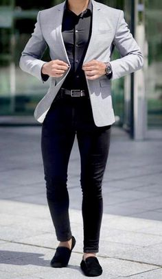 This knock out business casual look is perfect for you! Get this grey blazer, black dress shirt and black fitted pants with loafers custom made from Giorgenti New York! Grey Blazer Outfit, Mens Casual Dress Outfits, Mens Casual Suits, Blazer Outfits Men, Dress Suits For Men, Formal Men Outfit, Mens Fashion Blazer, Stylish Mens Outfits, Suit Fashion