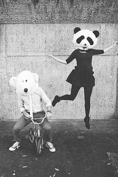 Image discovered by † MINdy †. Find images and videos about black and white, grunge and couple on We Heart It - the app to get lost in what you love. Animal Masks, Animal Heads, Polka Dot Wedding, Photo Couple, Foto Art, Photomontage, Oeuvre D'art, Belle Photo, Black And White Photography
