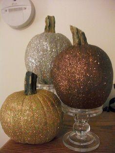 Thrifty Crafty Girl: 31 Days of Halloween - Glittered Pumpkins