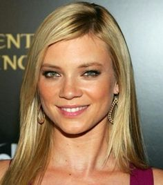 This article includes actress Amy Smart Height Weight Bra Size Body Measurements Age Facts Family Wiki as well as her bra cup, shoe size, nationality and family wiki information. Girl Celebrities, Beautiful Celebrities, Beautiful Actresses, Beautiful Women, Celebs, Beautiful Eyes, Amy Smart, Maria Sharapova Photos, American Hustle