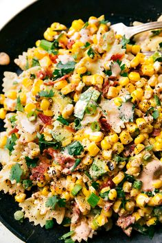 A delicious MEXICAN STREET CORN Pasta salad with tons of veggies, bacon, and a simple creamy CHILI LIME dressing!!