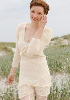 Kleid in Wollweiß, stricken mti Rebecca - mein Strickmagazin und ggh-Garn SURI ALPAKA (100% Suri Alpaka).  Garnpaket zu Modell 2 aus Rebecca Nr. 48