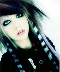 I'm stuck on emo/scene makeup right now. I'm loving the shape of her shadow. Emo Makeup Tutorial, Scene Makeup Tutorials, Pretty Hairstyles, Girl Hairstyles, Wedding Hairstyles, Quinceanera Hairstyles, Updo Hairstyle, Punk, Emo Scene Hair