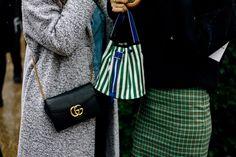 Bolsa Gucci (izquierda)   Galería de fotos 18 de 286   VOGUE