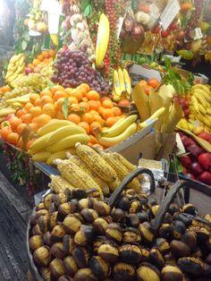 stand di frutta a Roma :)   -   fruit stall in Rome
