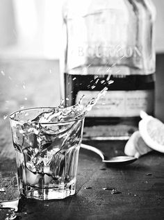 Mon Cahier d'Images Best Instagram Photos, Partying Hard, Drinking Water, Pint Glass, Alcohol, Black And White, Drinks, Tableware, Images