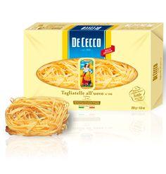 Tagliatelle all'uovo De CEcco. Elaborados con trigo y huevo, lo que aporta una textura más melosa y un valor nutritivo más elevado debido a la yema de huevo. Este tipo de pastas resultan idóneas para combinar con salsas gracias su superficie porosa y algo rugosa que facilita la adhesión de las salas e ingredientes añadidos.