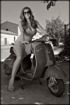 Jordan Carver, Vespa Vespa Girls Hot Girl on a scooter