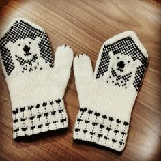 42 Ideas crochet gloves for kids baby mittens Crochet Mittens Pattern, Fair Isle Knitting Patterns, Crochet Gloves, Knitting Charts, Crochet Beanie, Knitting Socks, Baby Knitting, Ravelry Crochet, Crochet Patterns