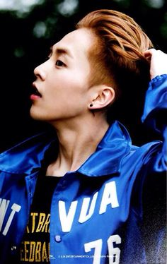 [SCAN/HQ] 150409 XIUMIN at Dongdaemun Design Park 'Stardium' Pop-up Store merchandise ©잇츄