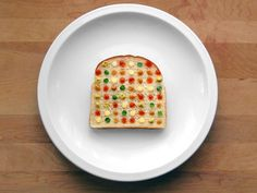 Don´t play with food - make art! Brittany Powell inspired by Damien Hirst. www.zeit.de