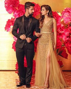 Couple poses done right. Indian Cocktail Dress, Simple Cocktail Dress, Plus Size Cocktail Dresses, Indian Wedding Bridesmaids, Stylish Couple, Couple Outfits, Couple Posing, Couple Shoot, How To Pose