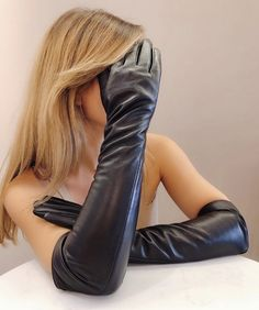 Black Leather Gloves, Leather Pants, How To Wear, Women, Fashion, Leather, Leather Jogger Pants, Moda, Women's