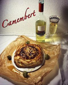 Camembert in puff pastry with honey,  wine. Very juicy, rich of flavors and incredible tasty 🙌🏻😋 For brunch, as a snack or whatever you want  #food#fashion#dessert#cook#style#camembert#cheese#wine#honey#камамбер