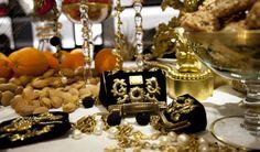 dolce-gabbana-fall-winter-2013-baroque-collection-christmas-2012-displays-baroque-mini-sicily