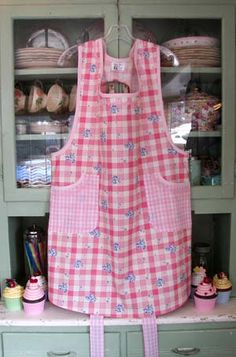 Canning Apron, Old Fashioned like Grandmas