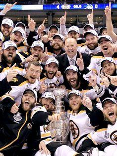 Flyers Hockey, Boston Bruins Hockey, Hockey Memes, Pittsburgh Penguins Hockey, Hockey Players, Chicago Blackhawks, Boston Strong, Boston Sports, Hockey Girls