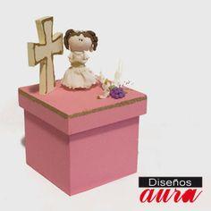 Les Presentamos esta Caja con Niña de pasta francesa, ideal para dar de recuerdito en su Primera Comunión, encuéntrala en nuestra tienda en línea a $149.50 m.n.