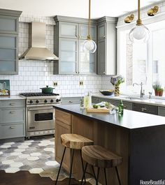 Kitchen Inspiration / Brass Hardware / Island Lighting / Schoolhouse Electric