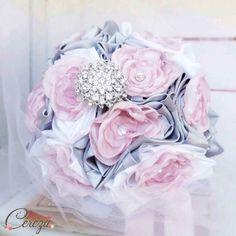 bouquet de mariage d'hiver chic princesse féérique rose poudré, gris et blanc, broche de cristal - Mademoiselle Cereza bijoux & accessoires mariage