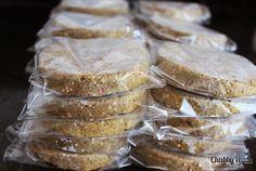 Indian style lentil burguer with quinoa and sunflower seeds / Hamburguer de lentilha com especiarias quinoa e semente de girassol  #vegan #health #chubbyvegan  Informações/encomendas: contato@chubbyvegan.net by chubbyvegan