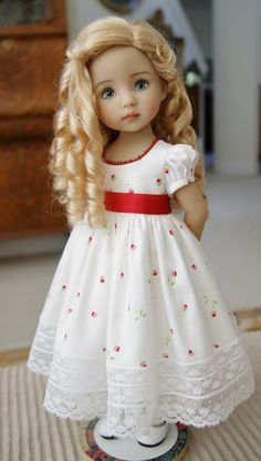 like the wig I must look up how to do those curls American Girl Outfits, American Doll Clothes, Girl Doll Clothes, Girl Dolls, Girl Dress Patterns, Doll Clothes Patterns, Doll Patterns, Pretty Dolls, Cute Dolls