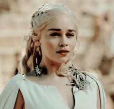 Then you shall return to me, my sun and stars. Then you shall return to me, my sun and stars. A Dance With Dragons, Got Dragons, Mother Of Dragons, Game Of Thrones Books, Game Of Thrones Funny, Emilia Clarke, Khaleesi, Daenerys Targaryen, Serie Got
