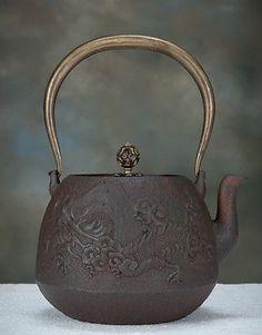 HG21. Japanese TETSUBIN Cast Iron Pot Chagama. Teapot. in Antiques, Asian Antiques, Japan, Teapots   eBay