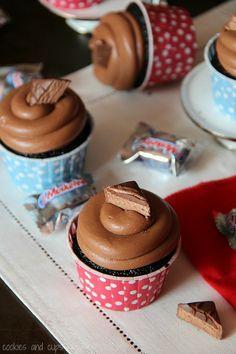 3 musketeers cupcakes