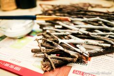 Don't you just love fun free cute crafts? I had some sticks left over from my DIY Sparkling Sliver Branches so instead of just throwing them Twig Crafts, Cute Crafts, Projects To Try, Chocolate, Winter, Master Bedroom, Valentines, Craft Ideas, Paint