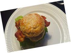 2016-06-10 21.45.00juliepaabloggen julie på bloggen LCHF burgerboller Sandwiches, Lchf, Muffin, Breakfast, Food, Morning Coffee, Essen, Muffins, Meals