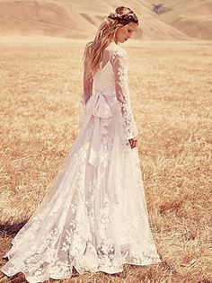 Lace Wedding Dress Boho Long Sleeves Sheer Crew Neckline Illusion Top Bow Sash Sweep Train Country Style Bridal Gowns Fall Custom Made 2015