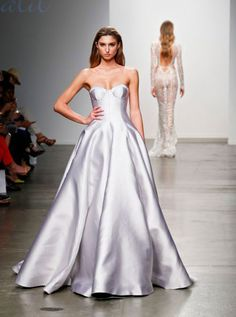 Sexy Sweetheart Satin Wedding Dresses Ball Gowns 2019 New Arrival Bridal Gowns Wedding Dress Backs, Wedding Dress Types, Designer Wedding Dresses, Wedding Gowns, Ball Dresses, Bridal Dresses, Ball Gowns, Prom Dresses, Mercedes Benz