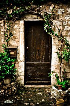 Door & Vine, France *