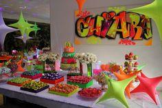 Quiz Eventos - Festa - Keep Calm and Go Neon 5th Birthday Party Ideas, Birthday Parties, Neon Sweet 16, Pop Art Party, Ibiza Party, Neon Birthday, Blacklight Party, Sweet Sixteen Parties, Neon Glow