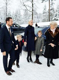 Los príncipes Haakon y Mette-Marit, del frío de Noruega al sol del Caribe…