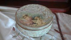 Κουτί μπισκότων!  Cookie Box! Decoupage Tutorial, Decoupage Box, Decoupage Vintage, Diy Tutorial, Altered Boxes, Shabby, Diy Videos, Shadow Box, Projects To Try