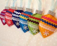 Felt Christmas ornaments: Christmas balls