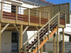 Terrasse bois suspendue avec garde-corps bois inox