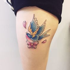 Swallow Bird Tattoo are among the bird tattoo designs with deeper meaning. Most people get the tattoos for their cute designs and the traditional meanings. Swallow Tattoo Meaning, Swallow Tattoo Design, Swallow Bird Tattoos, Tattoos With Meaning, Tiny Tattoos For Girls, Tattoos For Lovers, Bff Tattoos, Cute Tattoos, Tattoos For Women