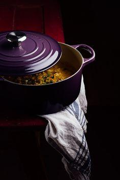 Curry de pollo en la cocotte Le Creuset by Raquel Carmona Cocotte Le Creuset, Le Creuset Cookware, Garam Masala, Cocotte Recipe, Gourmet Recipes, Healthy Recipes, Soup Plating, Edible Arrangements, Dutch Oven