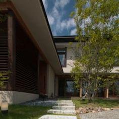 Casas rústicas por FrameWork設計事務所
