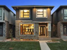 2009 44th Ave SW Calgary. 3500+ sq.ft. 4 bed / 3.5 baths. #YYC I wonder what it'll sell for.