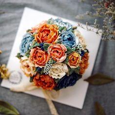 . 2017 설날에 만난 선물 행복을 선물하는 앙금플라워떡케이크 원데이클래스 . 위드블라썸 & 텐바이텐 Wild Peony Bouquet . . 텐바이텐을 통해 만난 소중한 인연 두번째 만남에 더 반가운 수강생님☺️ 뜻깊은 명절선물 되시길 바래요 . 꽃주부도 설연휴~ 푸욱 쉬러 갑니다 . . . . . #위드블라썸 #텐바이텐 #앙금쿠키 #장미 #장미앙금쿠키 #앙금플라워쿠키 #앙금플라워떡케이크 #앙금플라워 #앙금플라워클래스 #앙금플라워떡케익 #앙금플라워원데이클래스 #꽃스타그램 #광명앙금플라워 #구로앙금플라워 #시흥앙금플라워 #관악앙금플라워 #안양앙금플라워 #플라워케이크 #생일선물 #꽃주부 #flowercake #cupcake #설 #설선물#flowerstagram #cakedesign #flower #koreanfood #flowercookies